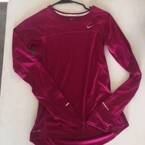 Nike NEW workout top- pinkish/ purple size s